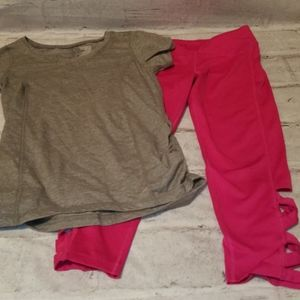 Girls athletic outfit, tee and capri leggings
